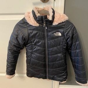 North Face: Girls moss is swirl parka